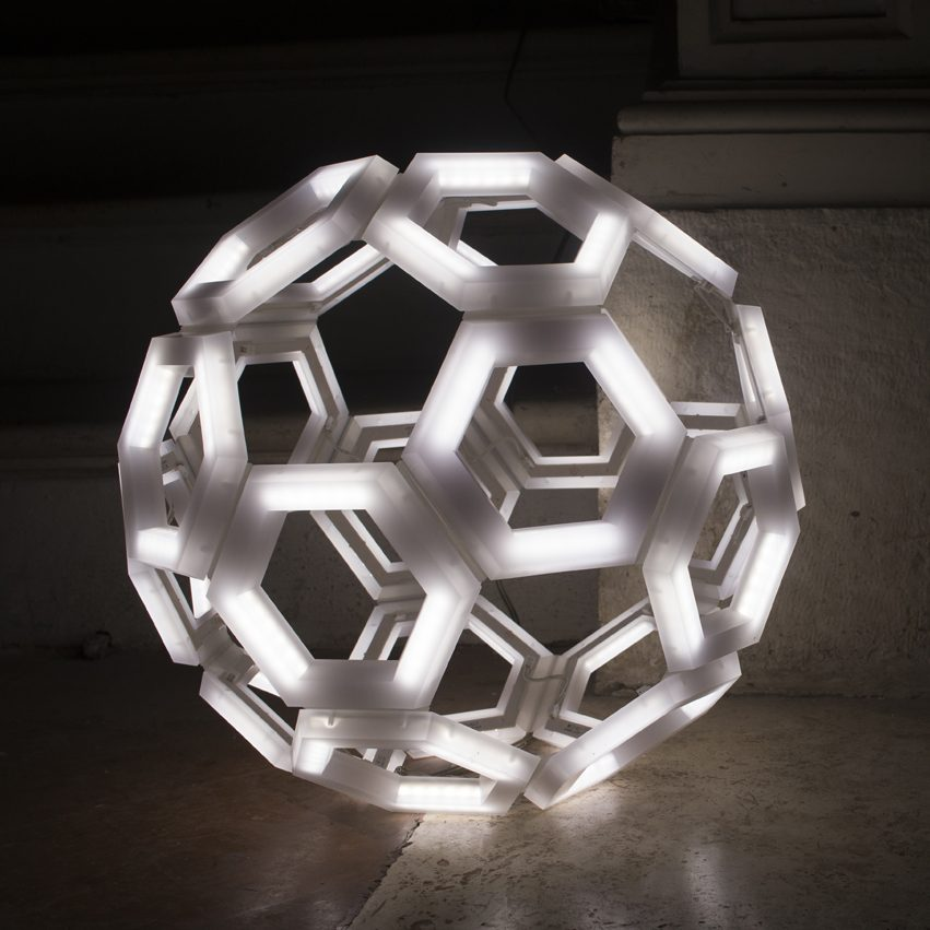 C60 lampada da appoggio kriladesign illuminazione di design for Lampade da appoggio